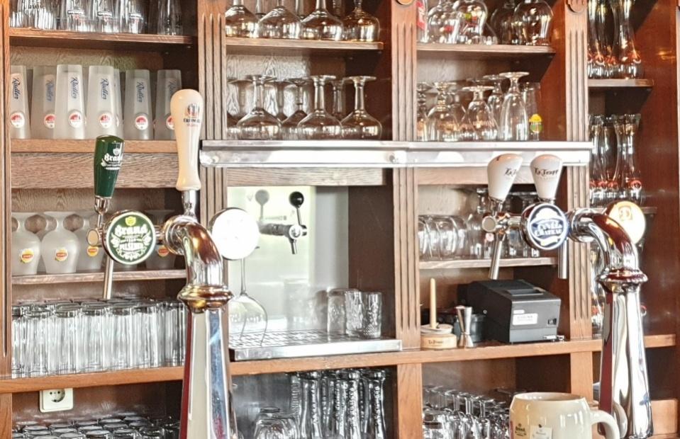 Kom borrelen of lunchen in ons nostalgisch café!